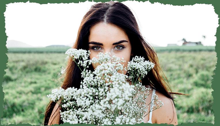 Femme fleurs visage traitement peau