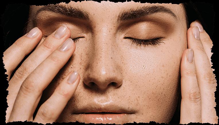 3 gestes pour enlever les taches brunes sur le visage