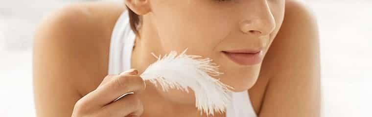 Peau sensible visage plume