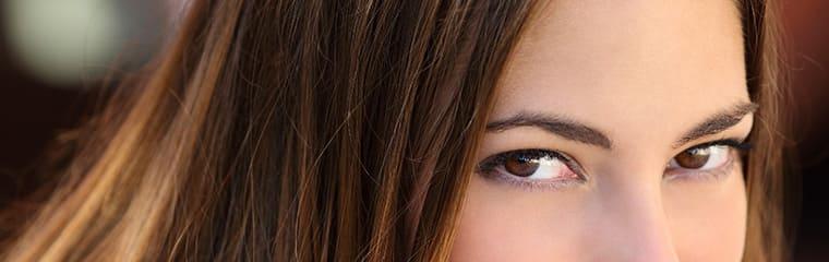 yeux femme unifier teint visage