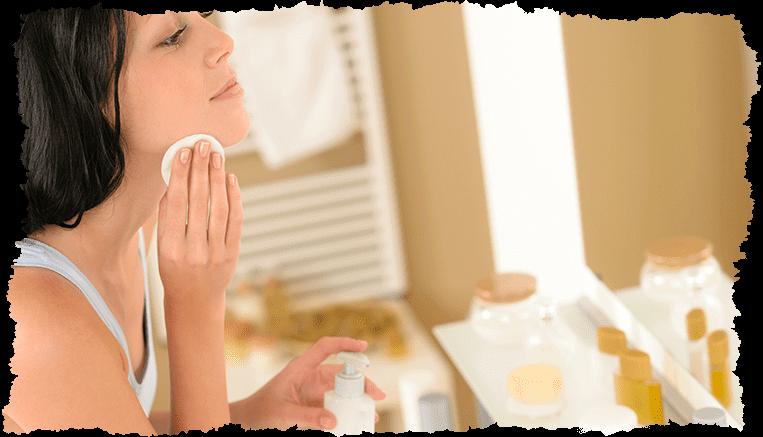 Demaquillage visage coton salle de bain