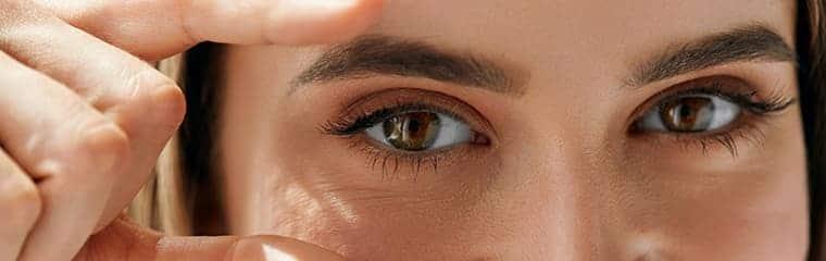 Yeux marron visage femme yeux
