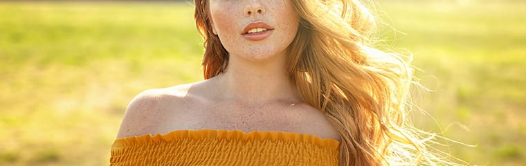 femme taches rousseur soleil