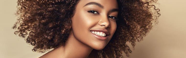 femme noire maquillage