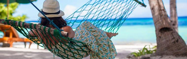 femme hamac ombre plage